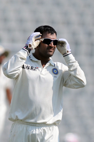 Mahendra+Singh+Dhoni+First+Test+Day+Four+India+iP9gSqgwwNwl