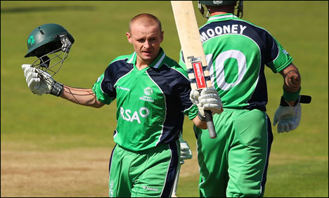 sports-cricket-IrelandvsEngland_9-3-2013_116587_l