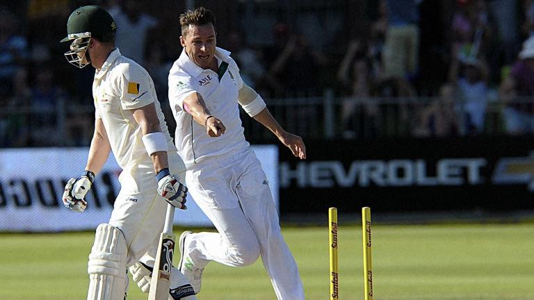 dale-steyn-south-africa-port-elizabeth-cricket-brad-haddin-australia_3089230